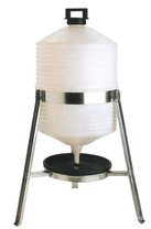 Napáječka stojanová plastová pro drůbež 25 L