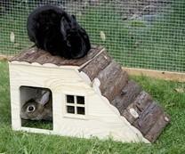Domek pro králíky a jiné hlodavce, se šikmou střec